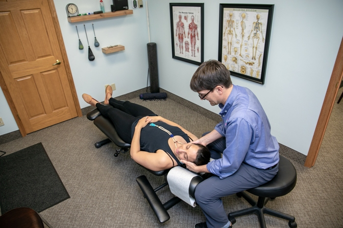 Top 8 Reasons To See a Chiropractor